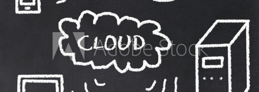 Cloudcomputing Konzept mit Kreide auf Tafel
